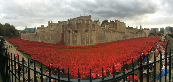 Tower of London Poppies representing the fallen soldiers from the UK and colonies in WWI